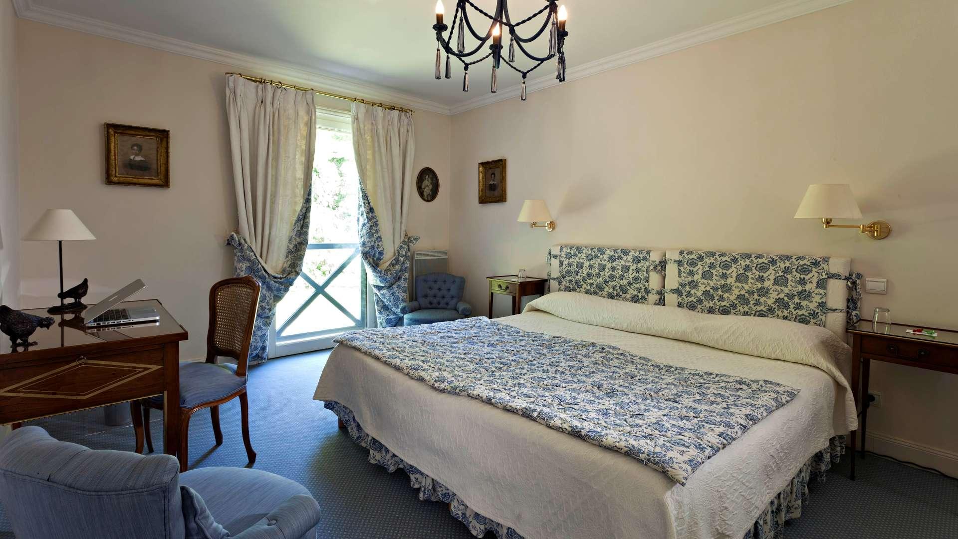 Chambre luxe r servez chambre d 39 h tel boulogne najeti h tel ch teau cl ry - Chambre d enfant de luxe ...