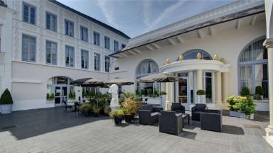 Terrasse du Najeti Restaurant le Clusius à Arras