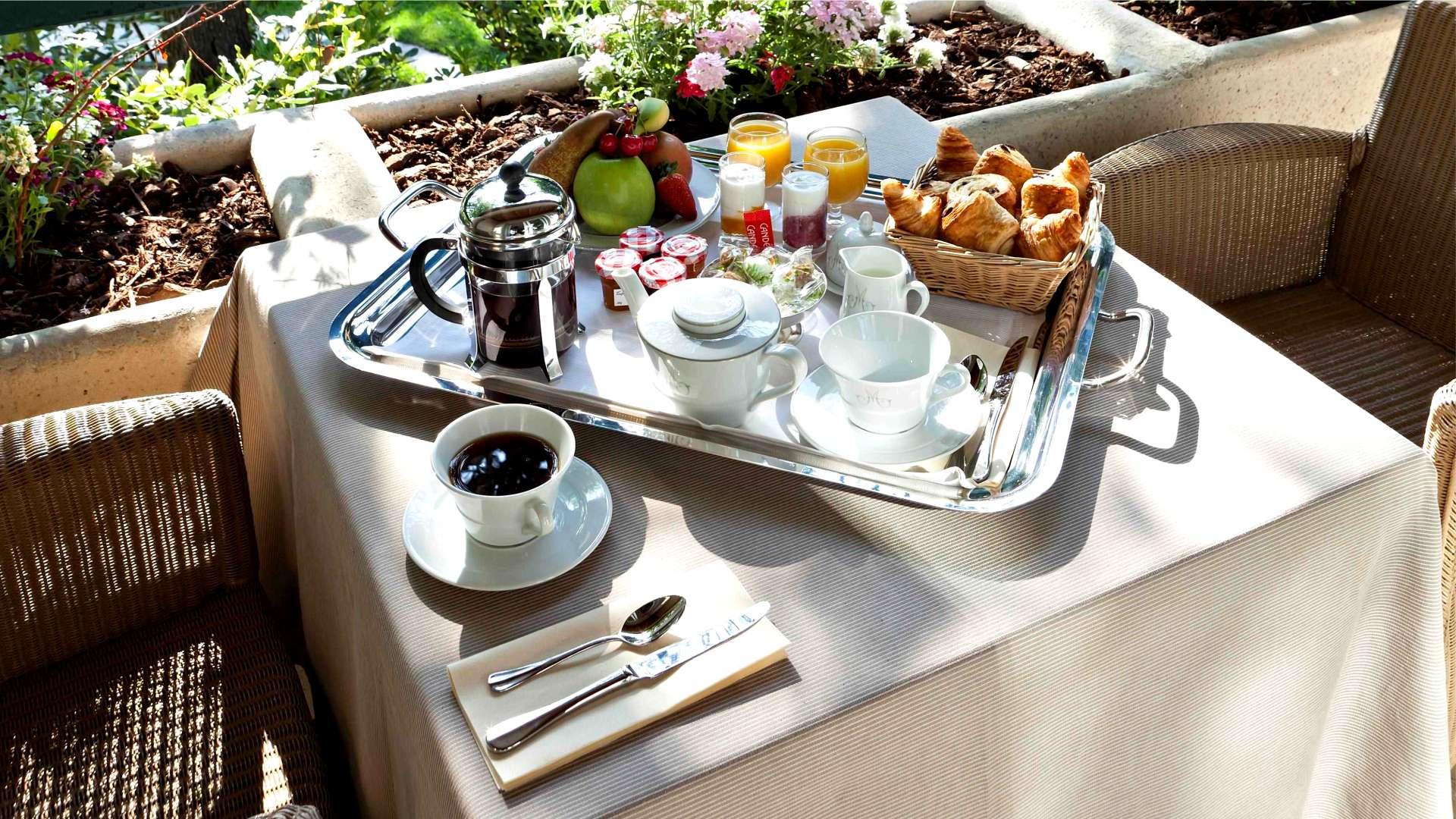 Le petit-déjeuner au Najeti Hôtel la Magnaneraie à Avignon