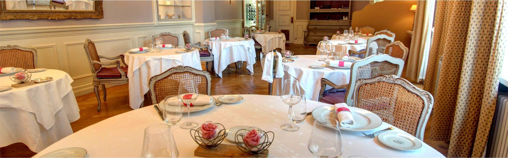 Salle du restaurant Najeti le Relais.