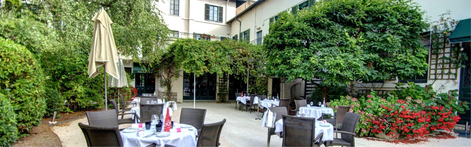 La terrasse du restaurant Najeti le Relais
