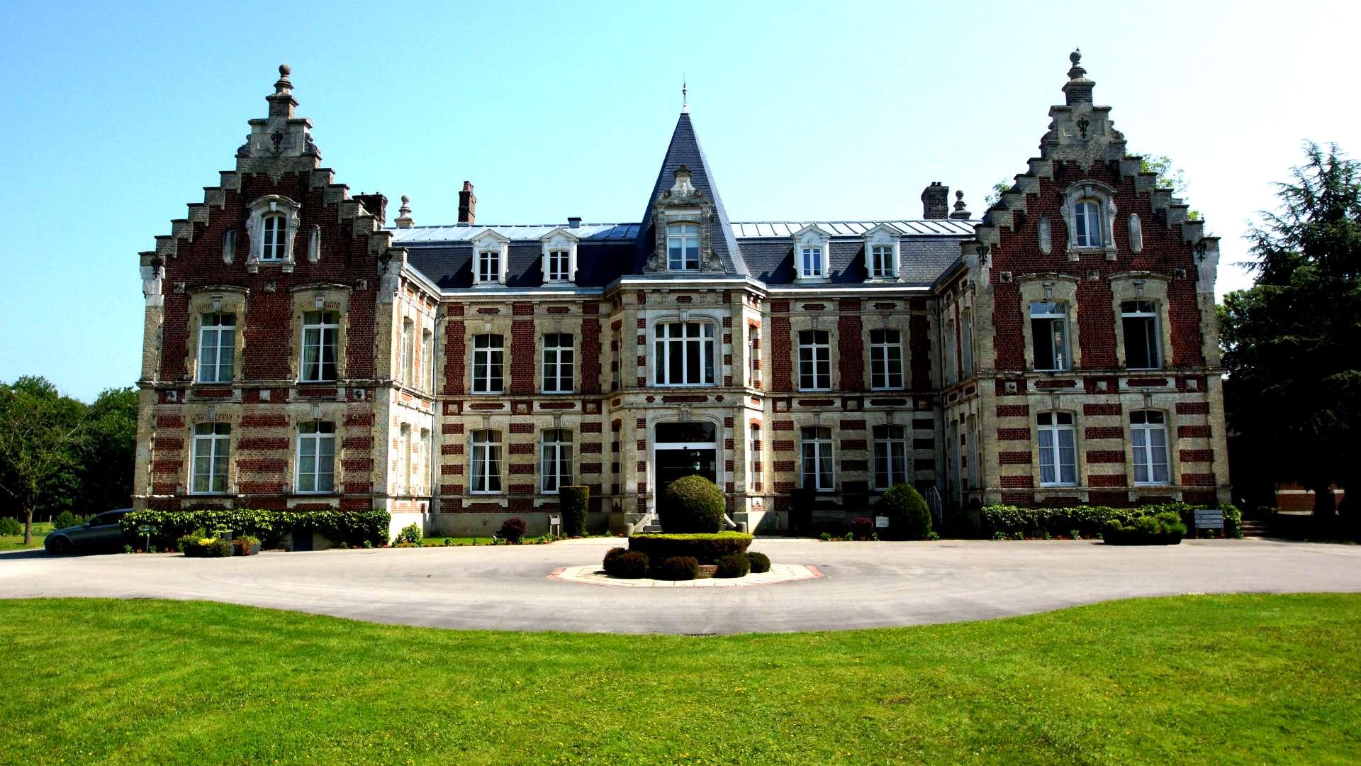 Façade du Najeti Hôtel Château Tilques