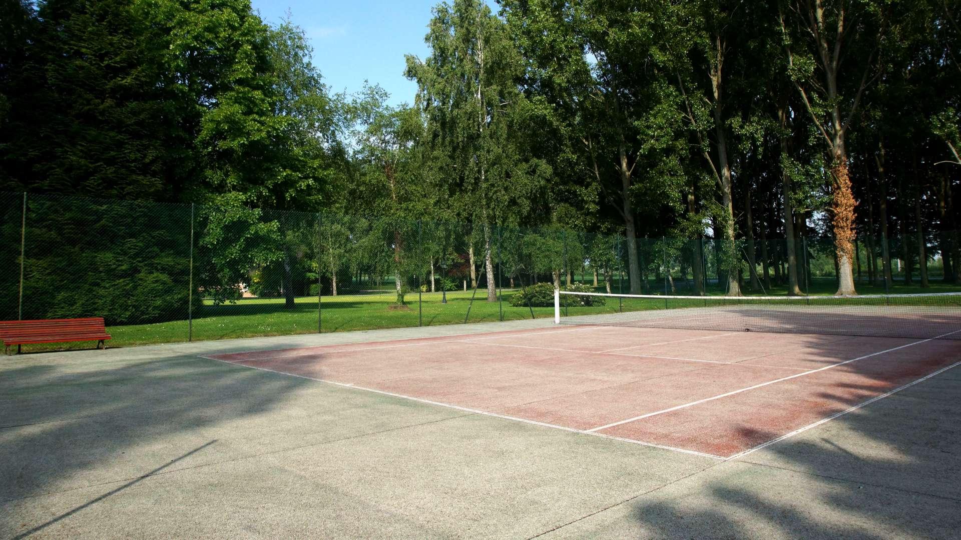 Court de tennis du Najeti Hôtel Château Tilques