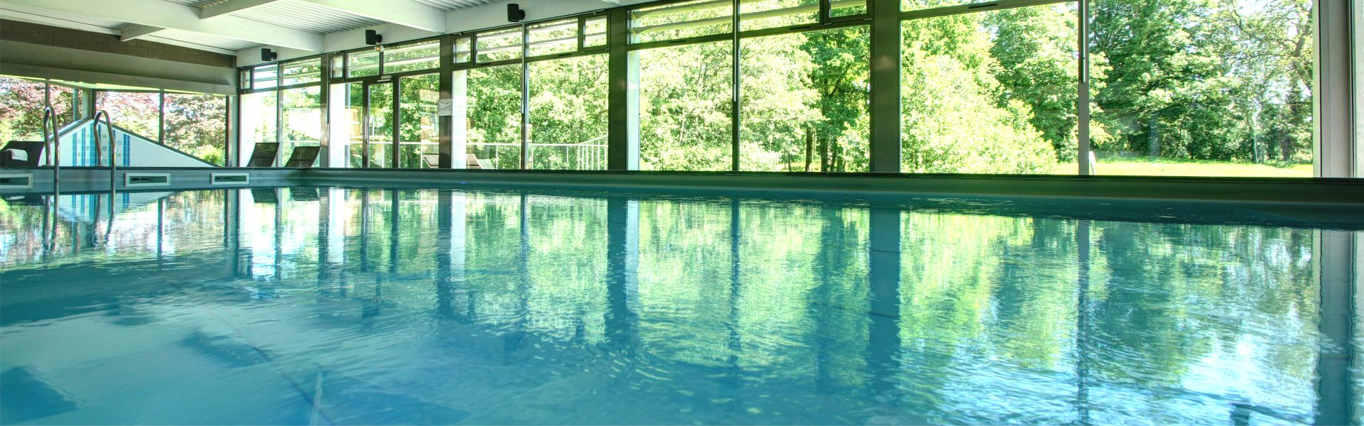 Piscine du Najeti Hôtel Château Tilques indoor Pool