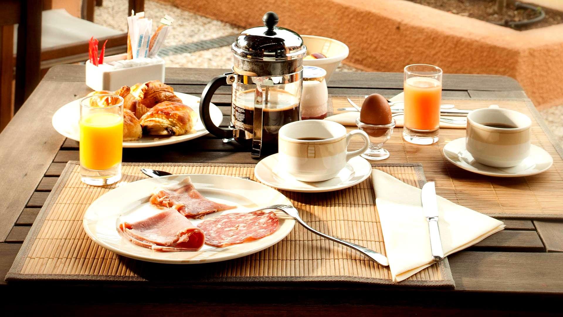 Le petit-déjeuner au Najeti Golf Hôtel de Valescure à Saint-Raphaël